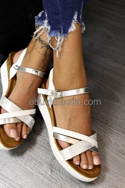 Дамски сандали на ниско ходило - YBS32-WHITE